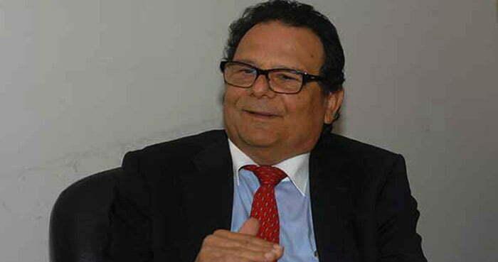 """Ernesto Pinto Bazurco Rittler: """"Ante tensión interna, debemos reforzar la política exterior""""."""