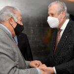 """Ceremonia de entrega de """"Placa de la AFSDP"""" y """"Diploma al Mérito"""" al señor Julio A. Salazar."""